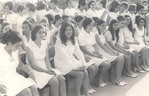 1980'li yıllardan bir kare...F: Erenköy Kız Lisesi öğrencileri  #istanlook