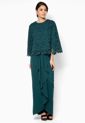 "Aria Hanna Baju Kurung ""Beautiful crochet overlay graces the bodice - giving it a more romantic look, while the flared skirt with stylized drapes adds dramatic flair to these modern kurung.  """