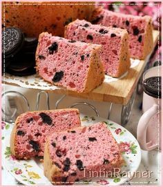 Strawberry Oreo Milk Chiffon Cake .Krucils pasti suka >.<