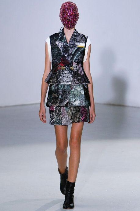 Неделя высокой моды в Париже. Коллекция от кутюр Maison Martin Margiela сезона осень 2012