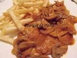 Receita Febras de porco de cebolada com cogumelos e nozes de Receitas da Piteca