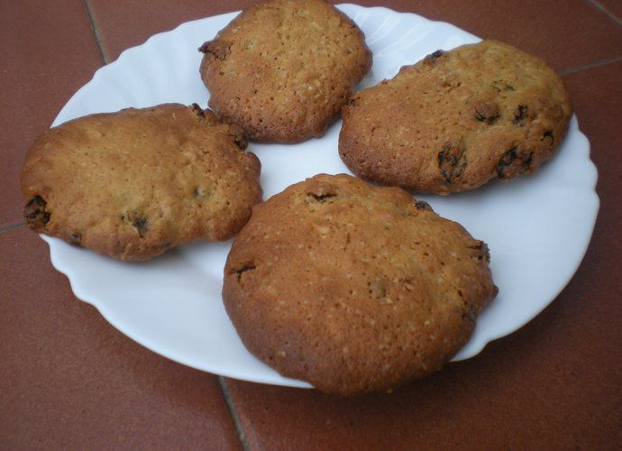 Galletas de Avena y pasas para #Mycook http://www.mycook.es/cocina/receta/galletas-de-avena-y-pasas