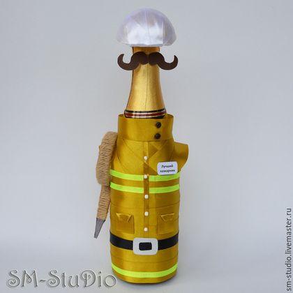 Подарочное оформление бутылок ручной работы. Ярмарка Мастеров - ручная работа. Купить Пожарный. Чехол на бутылку. Подарок пожарному. Handmade.