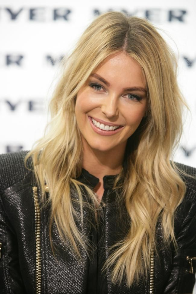 awesome hair color Jennifer Hawkins