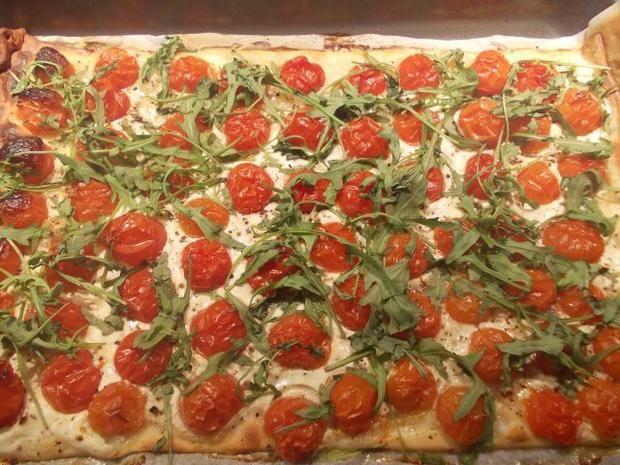 Rezept: Flammkuchen mit Tomaten und Rucola Bild Nr. 6