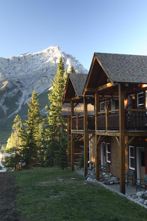 Buffalo Mountain Lodge ~ Banff, Canada:  I want to go here NOW!