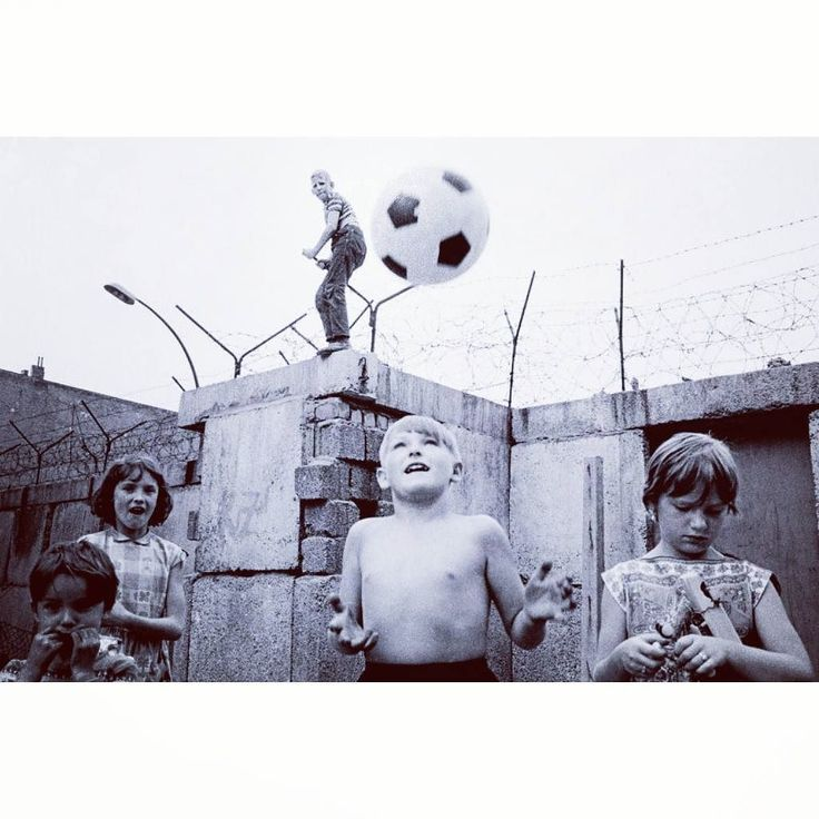 Today marks the official reunification of East & West Germany. Happy German Unity Day / Tag der deutschen Einheit.   #germany #deutschland #berlinwall #berlin #germanunityday #germanunity #deutscheneinheit #german #tagderdeutscheneinheit #reunification #kids #history #football #soccer #futbol #futebol #calcio #soccerstyle #footballfashion #kitcouture #footballculture #FlatBackFour