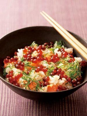 """ Kaisen-Oyako=Don "" is a bowl cuisine that has "" Slice of Salmon "" and "" Salmon Roe "" over the rice. #Japan"