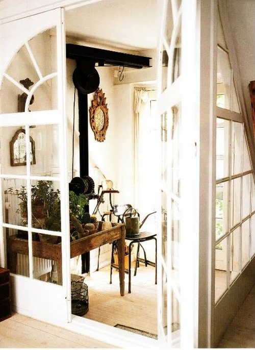 Lost in Decoration - The Foyer: Welcome Home