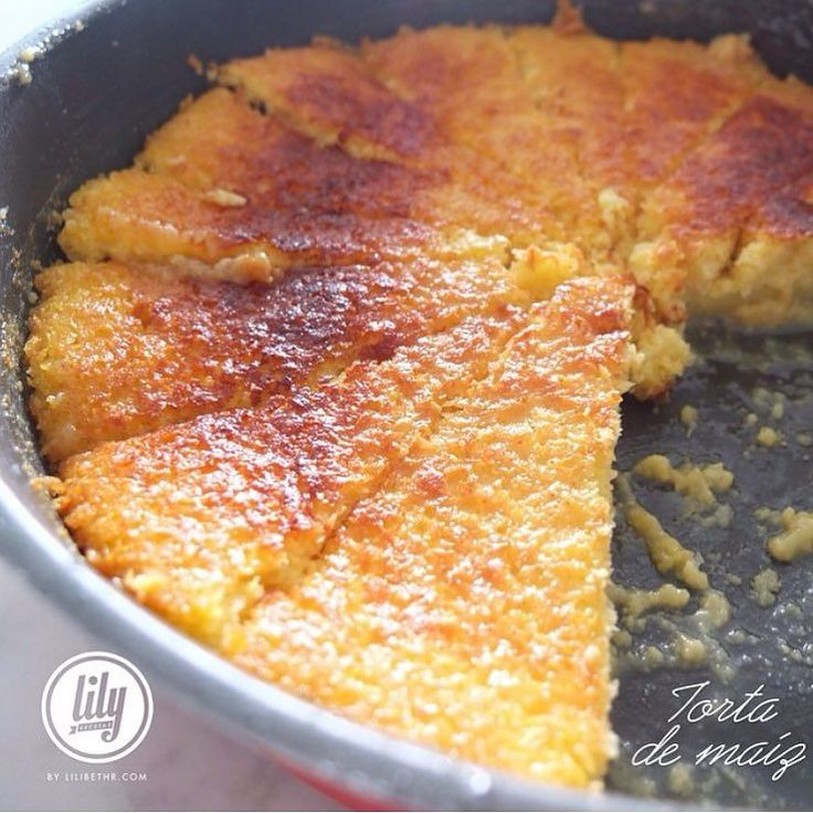 Hola a todos linduras! aquí les dejo la receta de esta maravilla es una de mis tortas favoritas y varios me han pedido que la vuelva a publicar. aquí la tienen! Torta de maíz o jojoto como se dice en VenezuelA. La has probado? Torta de maíz 3 jojotos (mazorca) desgranados (1 taza) (puedes usar 2 latas de maíz enlatado) 2 tzas de leche (la que uses) 1/2 tza de stevia granulada o 1 taza de papelón granulado 4 huevos 1/2 taza de ron (opcional) Para el caramelo 1/4 taza de agua 1 taza de stevia…