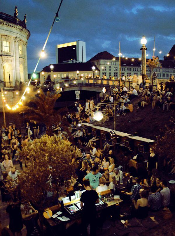 the Strandbar Mitte in Berlin / photo by Katja Hentschel