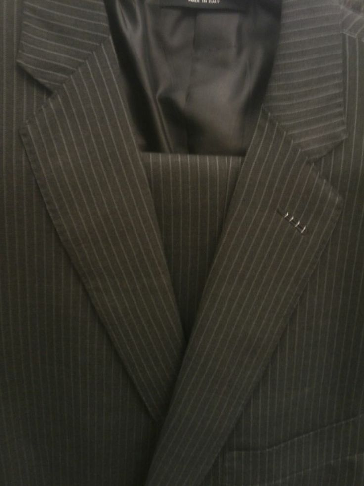 TOM FORD Deep Gray / Black Pinstripe Suit size 41R - 1 suit only available - HUGE SALE Jun 17-20 while supplies last. Brand new (Not Pre-owned). Buy it now or contact p_cli@yahoo.com for additional discount. SHIPS worldwide.