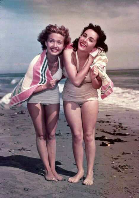 Elizabeth Taylor and Jane Powel