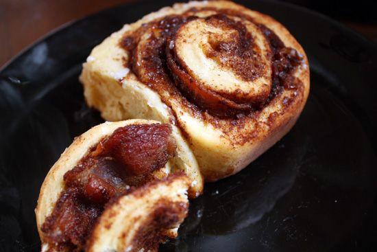 bacon-cinnamon-rollRolls Mak, Cinnamon Rolls I, Rolls Oh, Cinnamon Buns, Birthday Breakfast, Yum, Breads, Perfect Bacon, Bacon Cinnamon Rolls Series