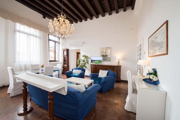 Échale un vistazo a este increíble alojamiento de Airbnb: SKY APARTMENT - Departamentos en alquiler en Venecia