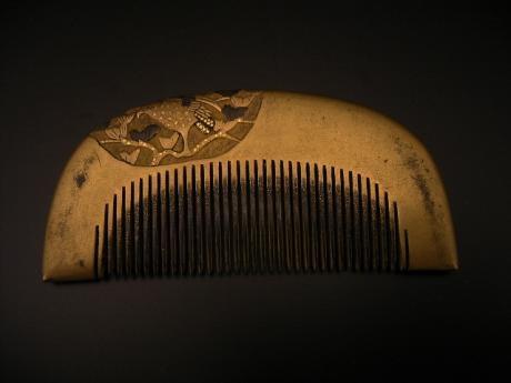 JAPANESE MEIJI PERIOD GOLD LACQUER COMB - Oriental Treasure Box