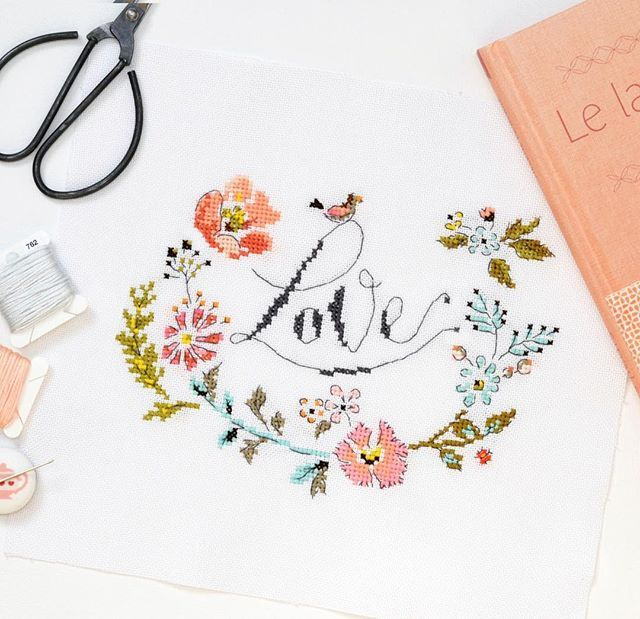(Pattern from the amazing book 'Le Langage Des Fleurs' by Helene Le Berre)