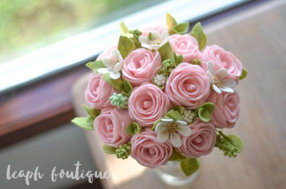 Young Rose & Wildflower Bouquet / A Dozen Roses / Handmade