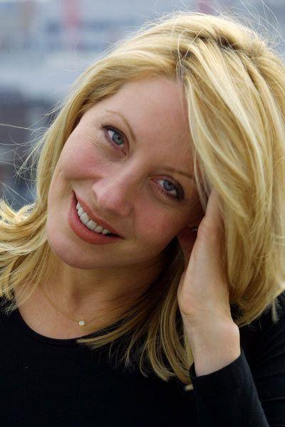 Linda Kozlowski 2012
