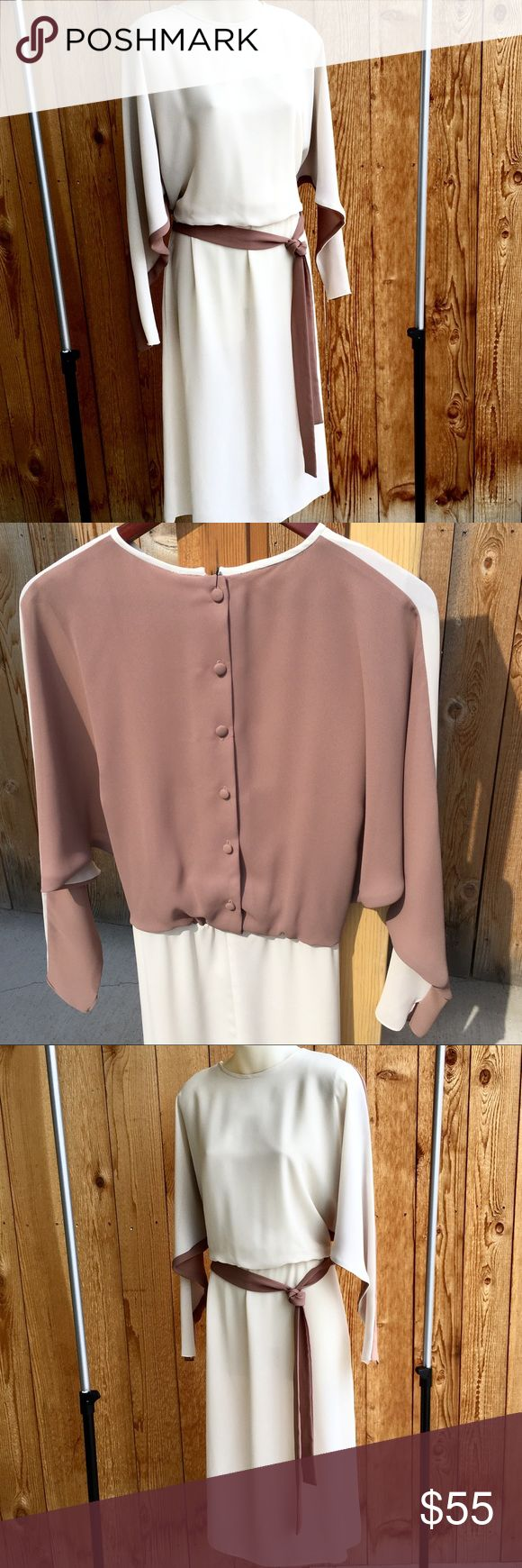 """🏵VINTAGE MONICA RICHARDS 🏵VINTAGE MONICA RICHARDS. TAUPE AND CREAM CHIFFON DOLMAN BUTTON BACK. 43.5""""L, 17""""-18 ARMPIT TO ARMPIT BUST, SLEEVES 24"""" FROM TOP OF SHOULDER, ELASTIC WAIST NATURAL FIT TO 34"""". ATTACHED VERSATILE TIE. AND THE TAG GAVE WAY WITHOUT RIPS TO THE SEAM SO I KEPT ATTACHED WITH SAFETY PIN. BUTTONS AWESOME: THE COVERING AND BUTTON HOLES GREAT. NO STAINS HOLES! STITCHING IS TOTALLY FINE. VG VINTAGE CONDITION. Vintage Dresses"""