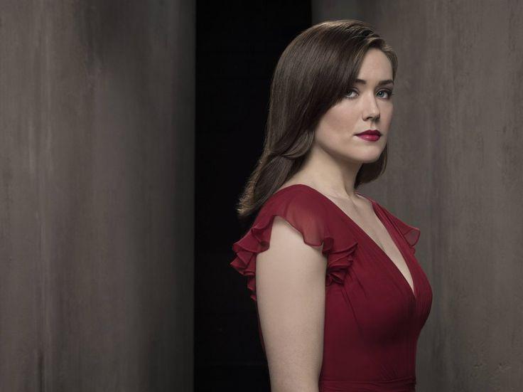 The Blacklist Update: Elizabeth Keen, alive or dead? Megan Boone seen on set days before season finale - http://www.sportsrageous.com/others/blacklist-update-elizabeth-keen-alive-dead-megan-boone-seen-set-days-season-finale/21798/