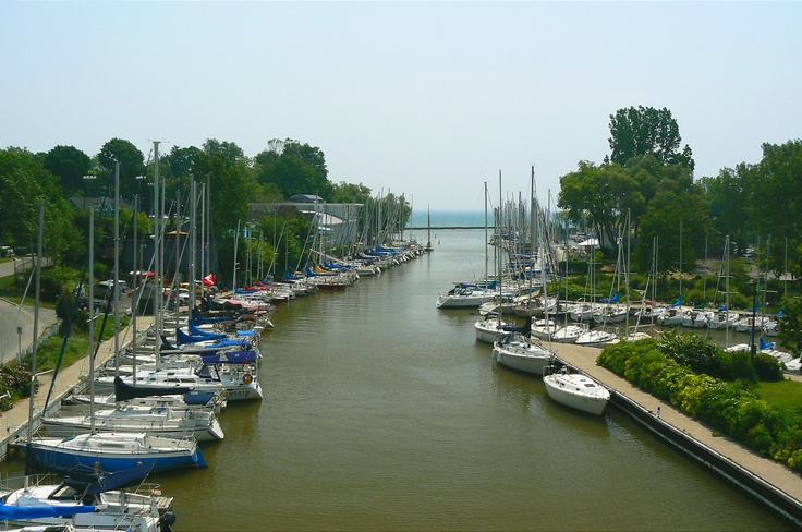 Oakville harbour from Lakeshore Road Bridge facing south