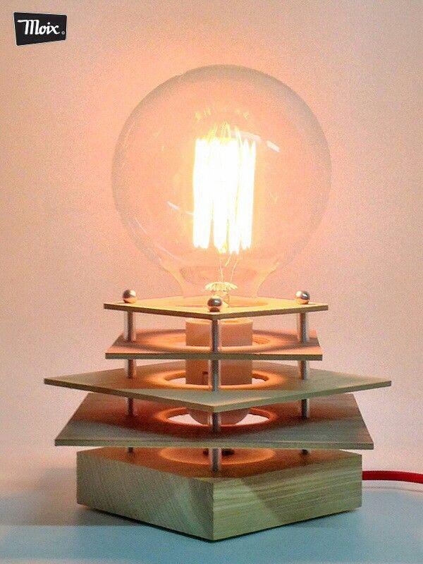 """#lámpara """"goda"""" de #Moix - de chapa de madera natural de fresno y nogal, varilla de hierro zincado pvc y lámpara globo de filamento de carbono. 50 €."""