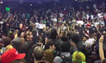 Protesters Chant Kendrick Lamar's 'Alright' At Chicago Trump Protest
