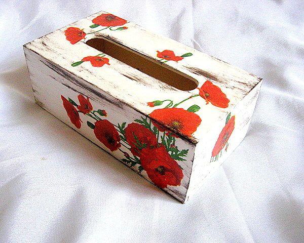 Maci rosii model flori pe fond vintage, cutii servetele hartie