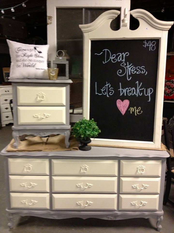 Top 25 best yard sale displays ideas on pinterest hang for Furniture yard sale near me