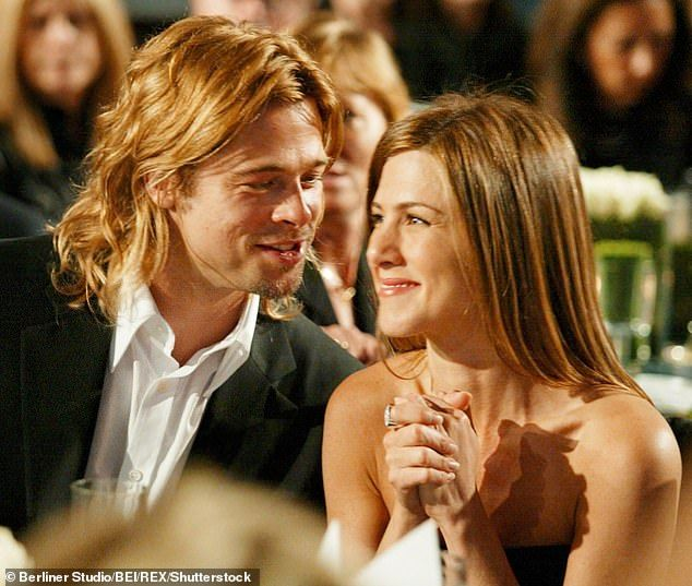 Jennifer Aniston And Ex Husband Brad Pitt Have Been Flirtatious Brad Pitt And Jennifer Brad Pitt Jennifer Aniston Brad And Jen
