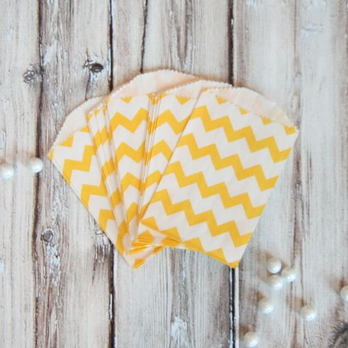@Chelsea Crawford - how cute would these be for your candy bar? Chevron Mini Favor Bags - Yellow