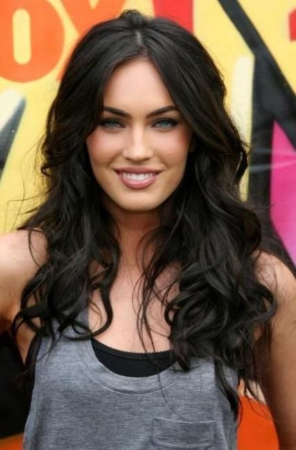 megan fox, love the length and style.. can't wait til my hair grows this long.