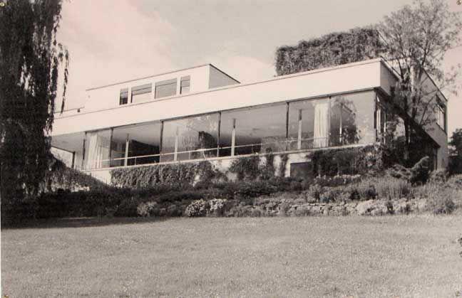 casa tugendhat 1929 mies van der rohe brno repubblica. Black Bedroom Furniture Sets. Home Design Ideas