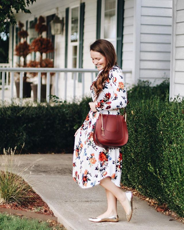 "Don't mind me, just obsessing over this floral ""camilla"" dress from @onelovedbabe! It's most definitely the softest dress I own. No exaggeration whatsoever! I'm loving fall florals at the moment and this pattern is beautiful. I really recommend checking @onelovedbabe out if you haven't already!"