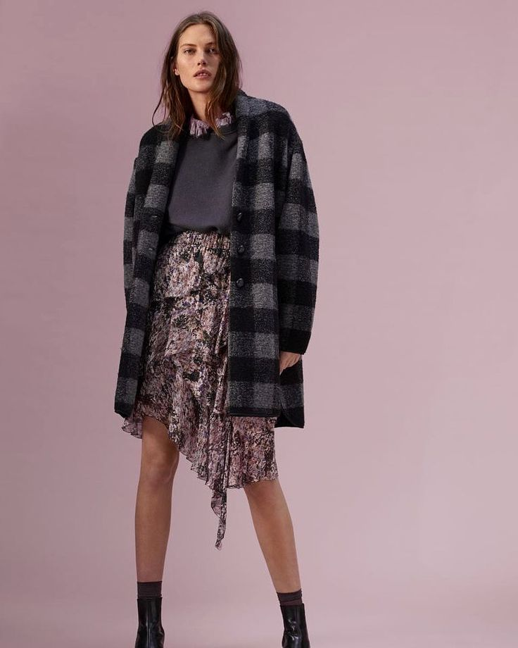 Isabel Marant Etoile Fang Sweatshirt and Jeezon Skirt. FW17 collection in stores now!