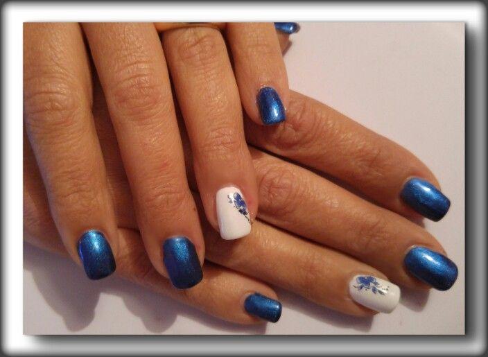 blu ( zaffiro) bianco fiori