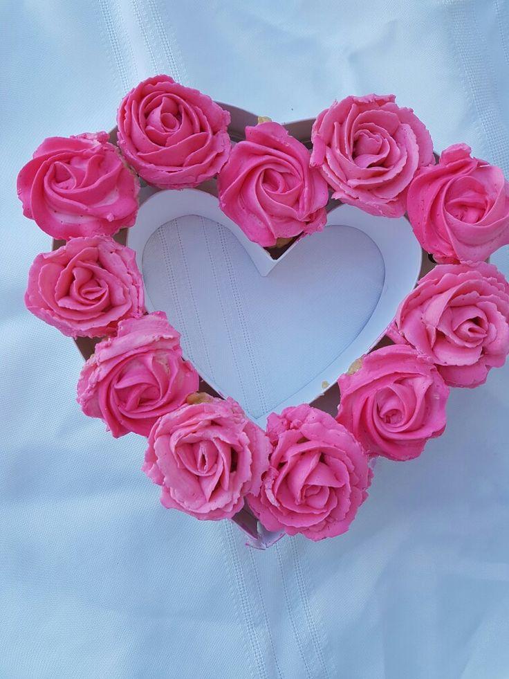Rice Krispie cupcakes  #love #valentines