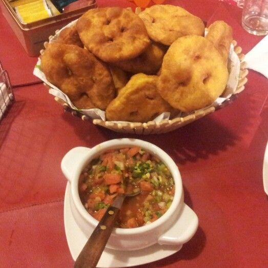 #CocinaChilena #Sopaipillas y pebre