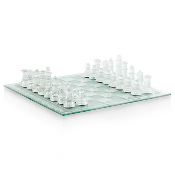 Comprar Ajedrez de Cristal Glass Chess al mejor precio. No lo dude y regale, juegue o decore su salón con el juego más clásico e inteligente de todos los tiempos. Fabricado en cristal y con un elegante diseño, este juego de mesa le hará pasar ratos muy entretenidos a la vez que lucirá en cualquier parte de la casa donde lo ubique.Características:Elegante juego de ajedrez presentado en cristalEl tablero de juego está fabricado en cristalLas piezas vienen en dos tonos de cristal (mate y ...