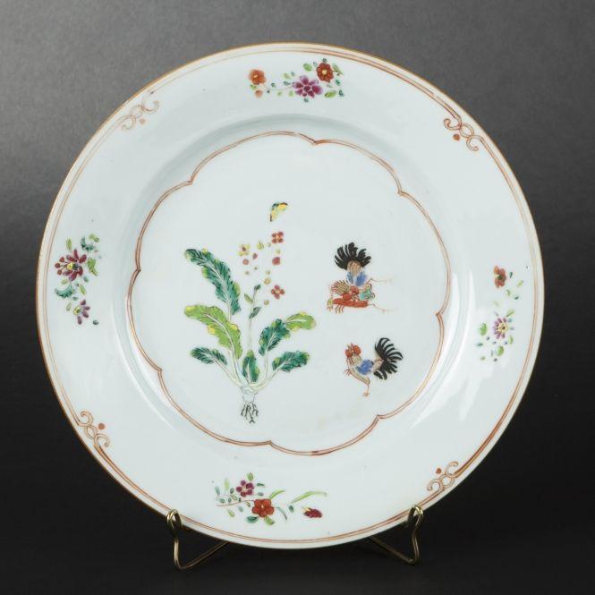 China porcelain plate with compagnie des indes decoration for Esprit de famille decoration