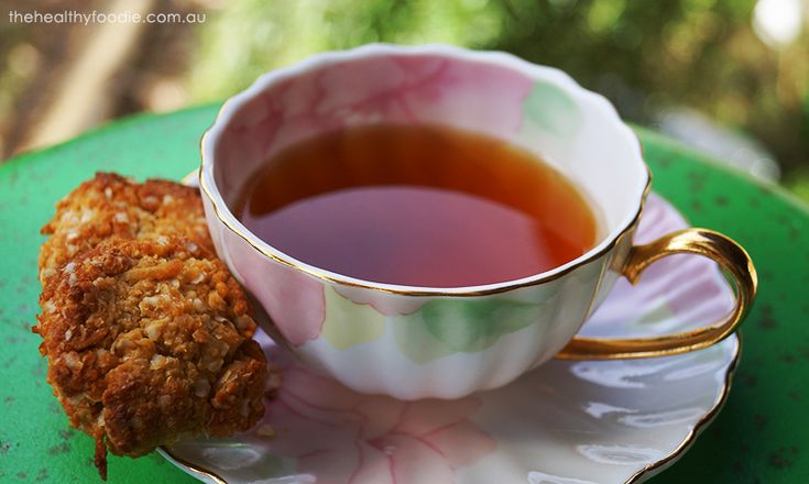 Anzac Cookies – hold the gluten & the nuts!   The Healthy Foodie