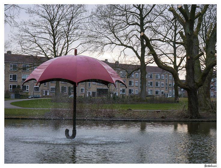 Europe, Netherlands, Friesland, Leeuwarden, Huizum-West, Julianapark, Rode paraplu fountain