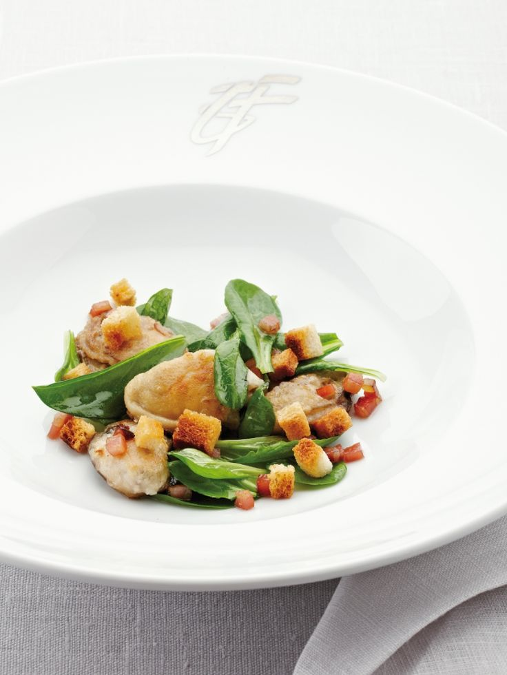 Salade met oesters, croutons en spekjes http://njam.tv/recepten/salade-met-oesters-croutons-en-spekjes