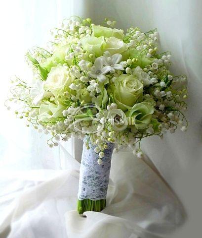 Bruidsboeket met oa Wit/groene Rozen& Gipskruid