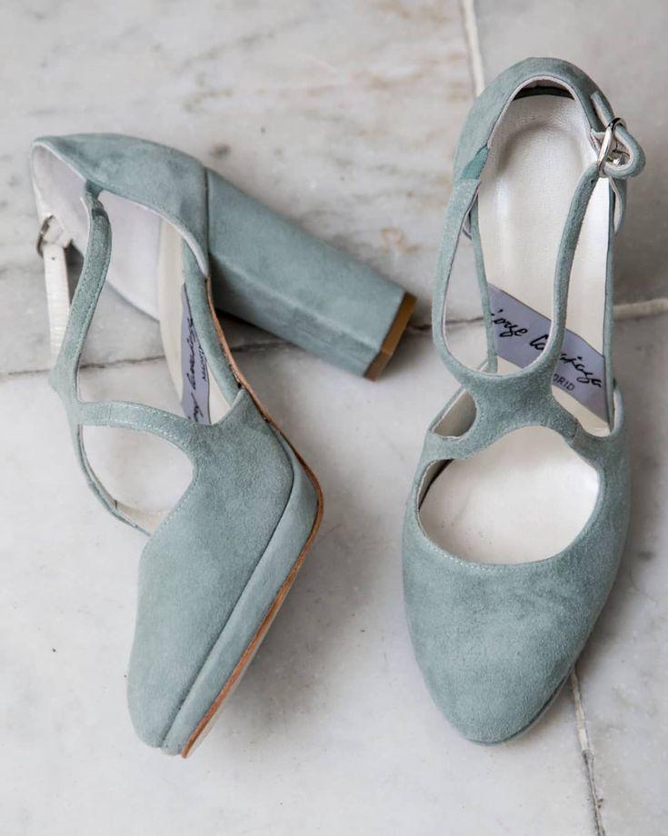 Desde @click10fotografia nos han adjuntado un link con una selección de #fotos de los #zapatos de Ángela para su #boda y vaya si nos han gustado!  Gracias por compartir!. @larranagaonline  Click10.net  JorgeLarranaga.com/es/zapatos-salon-stilettos-pumps/833-zapatos-novia-tacon-ancho.html  Y en JorgeLarranaga.com/blog y pinterest.com/LarranagaOnline mas fotos de #ZapatosDeNovia!   #ZapatosParaNovia #Novias #Tendencias #Bodas #FotografíaDeBodas #CalzadoNovia #ZapatosNovia  #WEDDINGS #SHOES…