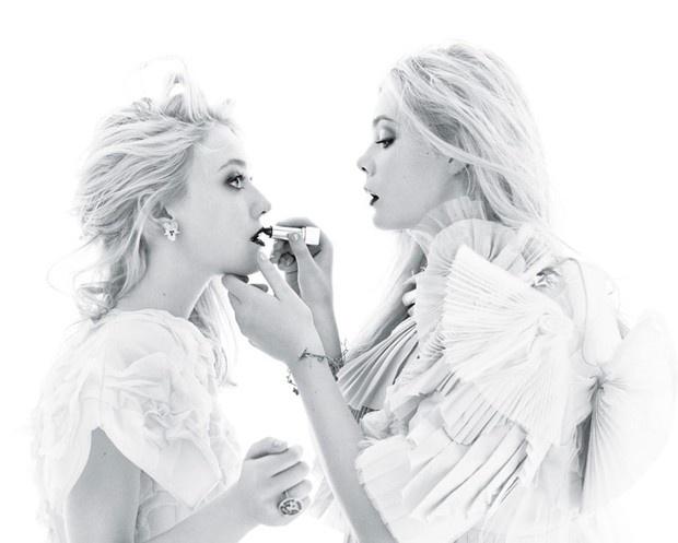Elle & Dakota. @Shobha Nikam Topgi, we should do this for our sister photoshoot!