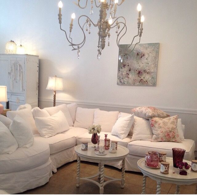 17 best ideas about shabby chic sofa on pinterest shabby chic couch shabby chic clock and. Black Bedroom Furniture Sets. Home Design Ideas