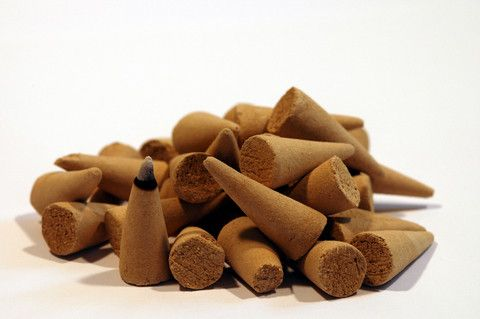 Make your own incense cones using EO's and blank cones