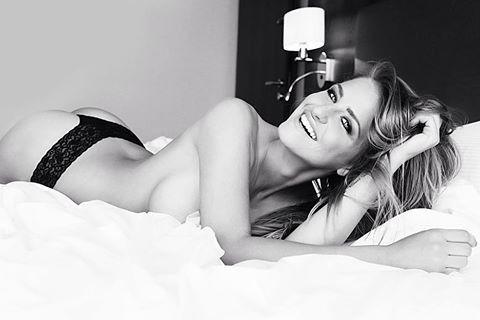 photo: © Stanislava H. Hricova  #model #photo #smile  #woman  #blackandwhite